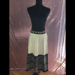 Brown White Skirt Size 2X